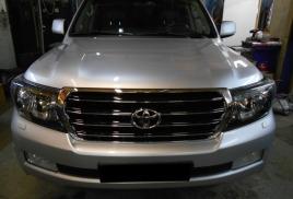 Покраска фар в черный цвет Toyota Land Cruiser 200